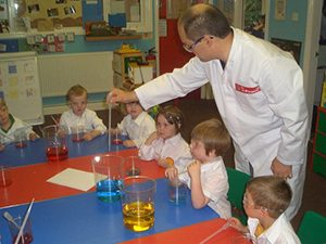 The Spinney Science-Day-with-Pre-School